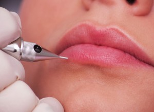 Permanent Make-up für die Lippe